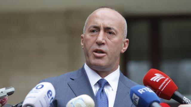 Haradinaj foto - Haradinaj: Lutjet tona janë për të prekurit dhe të plagosurit e shpërthimit që ndodhi sot në Ferizaj